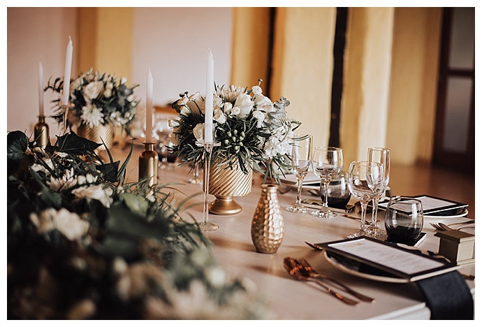 black-and-gold-wedding-decor-lh-photography