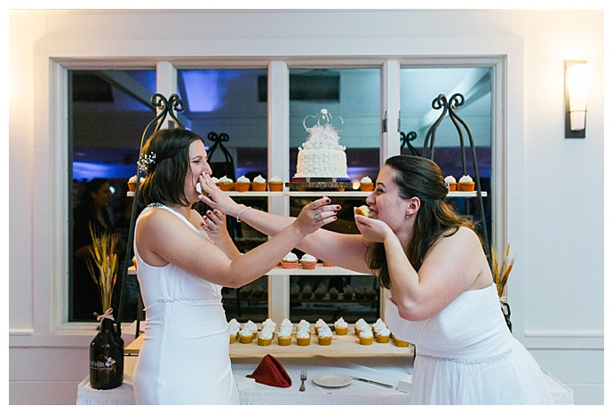 catherine-ann-photography-wedding-cupcakes