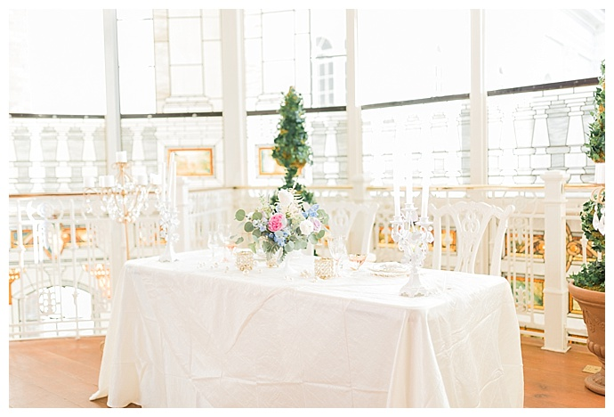 elegant-wedding-sweetheart-table-tori-lynn-photography