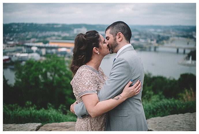 pittsburgh-skyline-wedding-photos-requiem-images