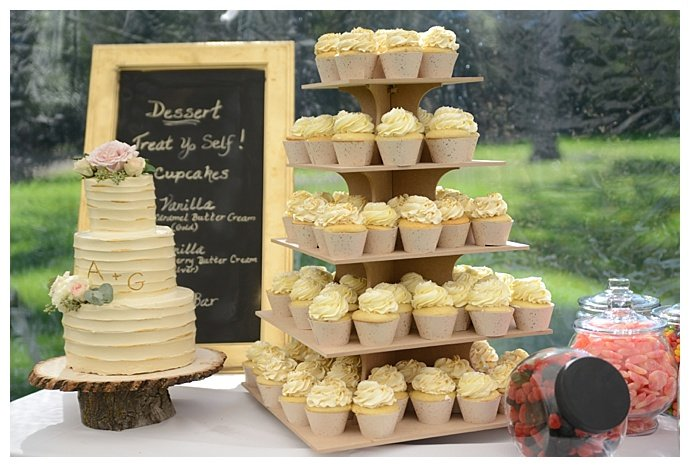 rustic-dessert-table-display-dani-fine-photography