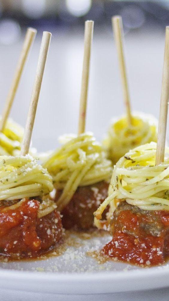 spaghetti-and-meatballs-on-a-stick-unique-wedding-food