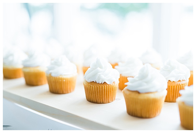 wedding-cupcakes-catherine-ann-photography