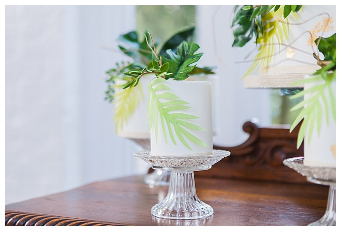 amanda-karen-photography-tropical-wedding-cake