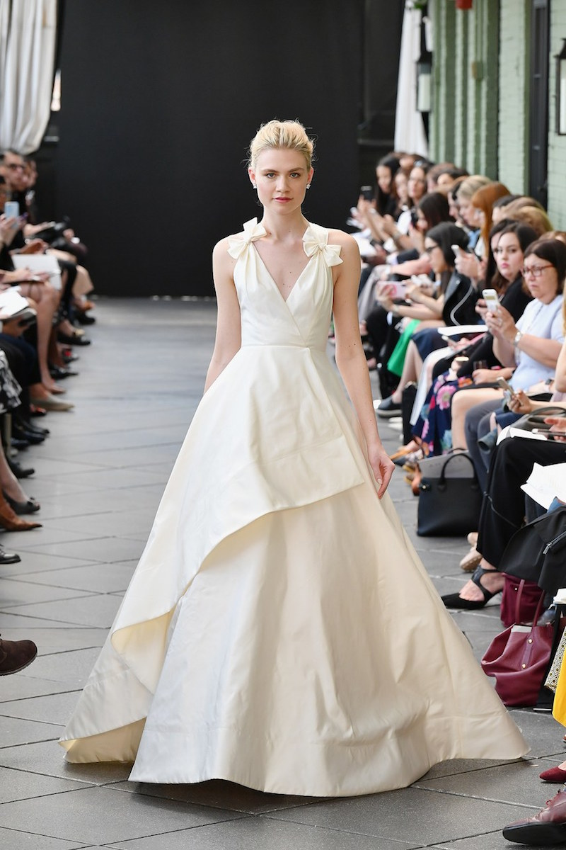 amsale-spring-2019-bow-detail-wedding-dress