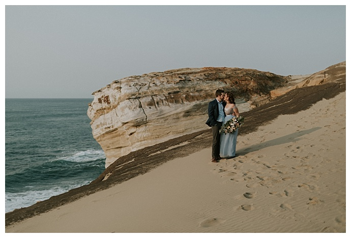 cape-kiwanda-beach-engagement-photos-naba-zabih-photography