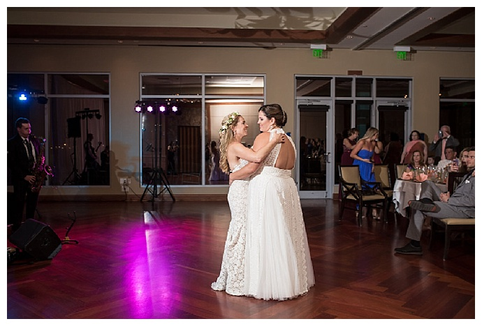 cat-pennenga-photography-two-brides-first-dance