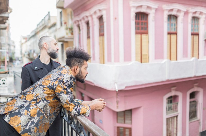 Image for Ishak and Félix's Colorful and Charming Photo Session in Cuba