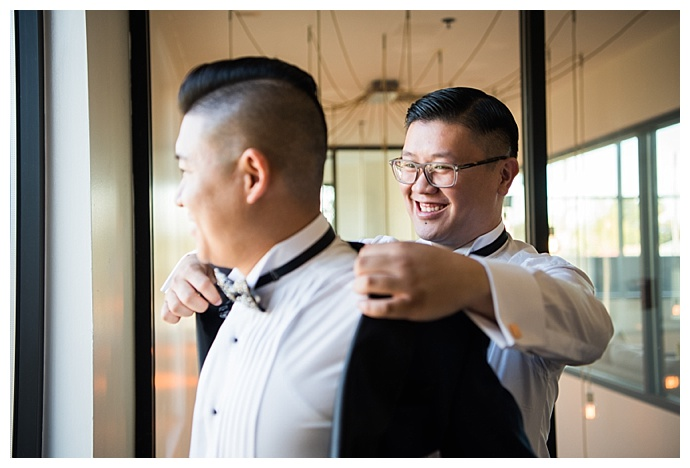 grooms-getting-ready-together-david-and-tania-photography