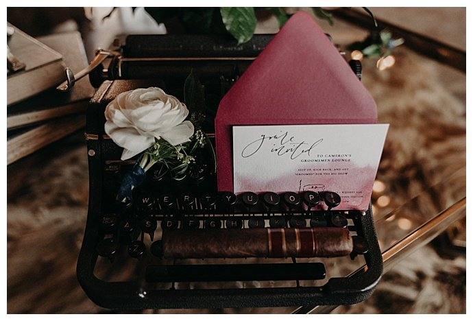 randi-kreckman-photography-vintage-typewriter-wedding-decor