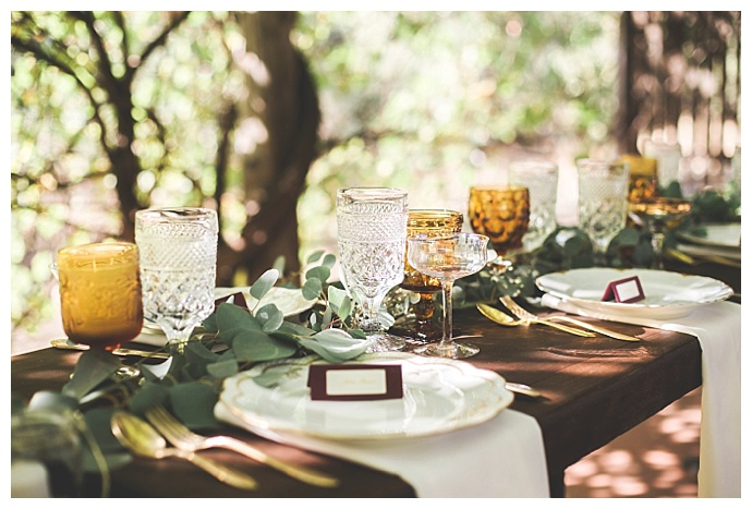 vintage-glass-weddng-decor-alexandria-vail-photography