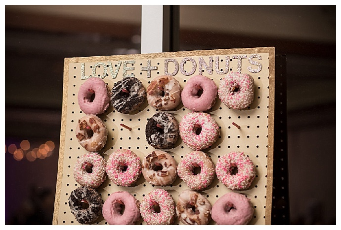 wedding-donut-wall-cat-pennenga-photography