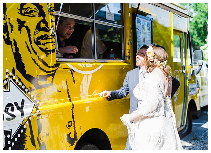 wedding-food-truck-jemil's-big-easy-alexandra-knight-photography