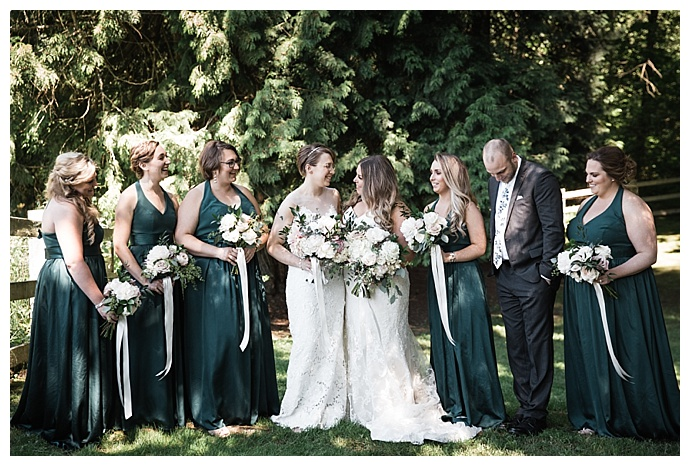 angela-and-evan-photography-emerald-green-bridesmaids-dresses