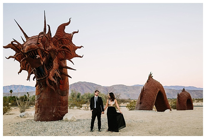 borrego-springs-california-dinousaur-desert-engagement-shoot-lets-frolic-together