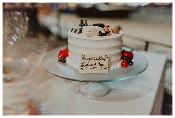 funny-wedding-cake-toppers-chelsea-abril-photography
