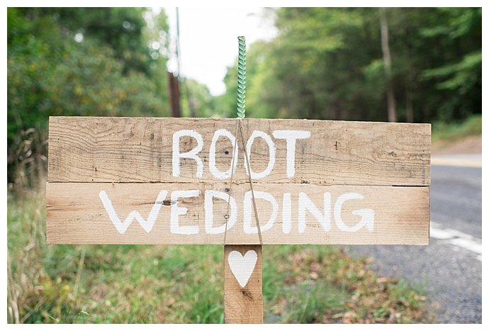 rustic-wedding-signs-smile-peace-love-creative-photography