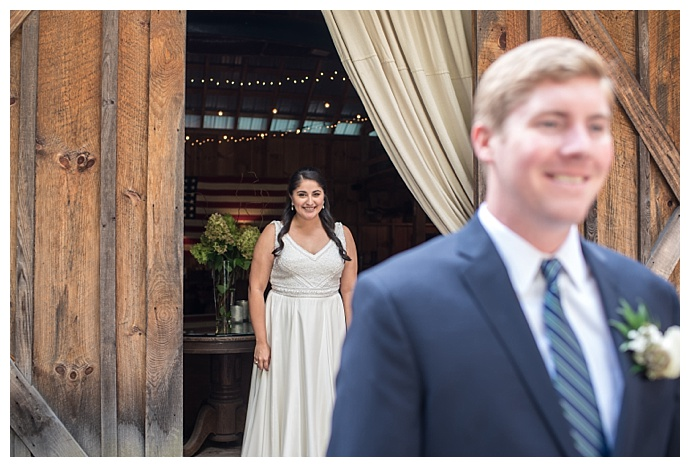 smile-peace-love-creative-photography-tall-timber-barn-wedding-pennsylvania