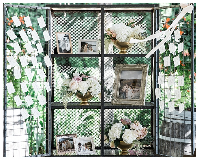 vintage-escort-card-display-angela-and-evan-photography
