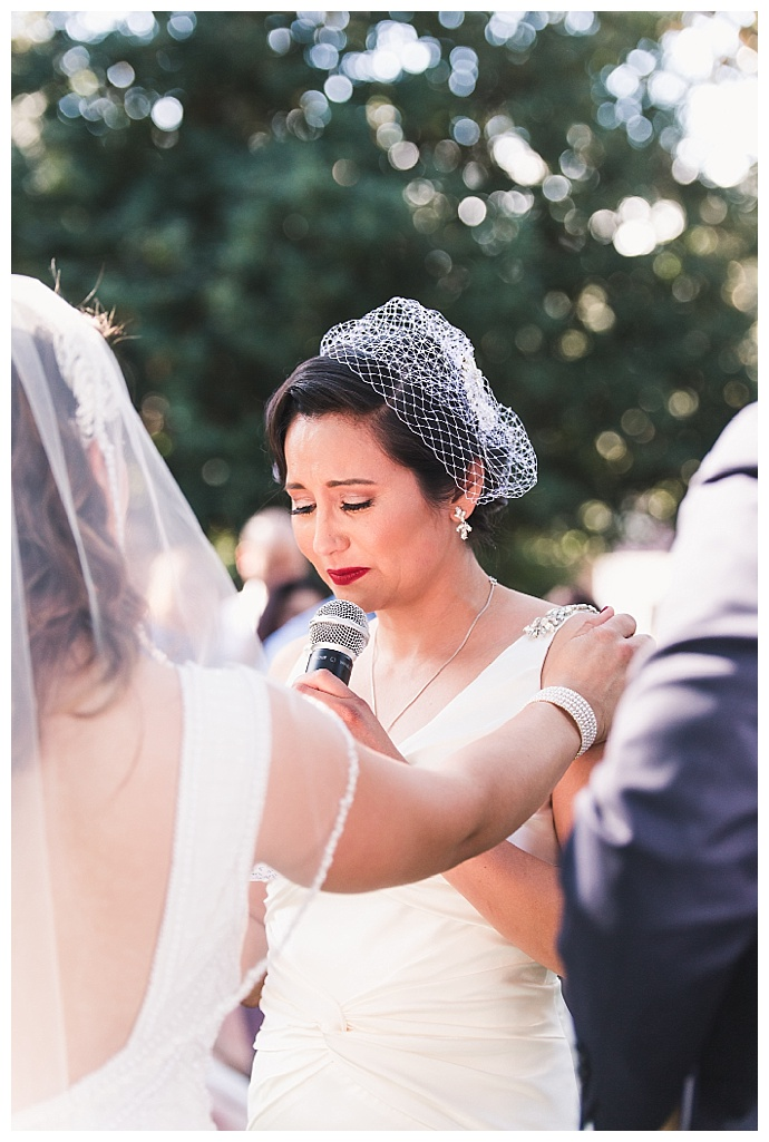 bird-cage-wedding-veil-frances-tang-photography