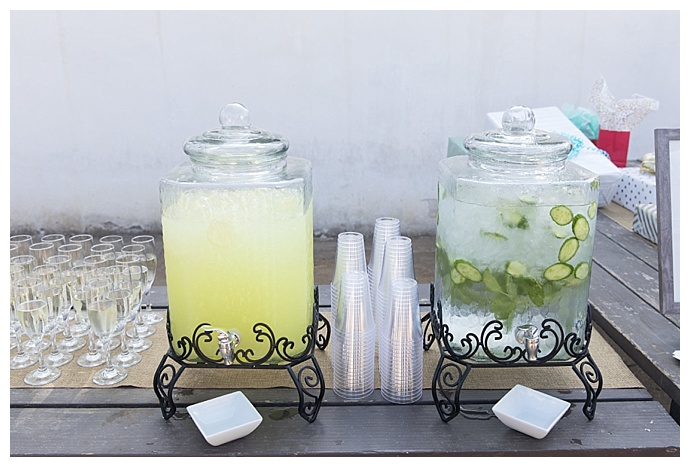 sky-and-reef-photography-outdoor-wedding-refreshments