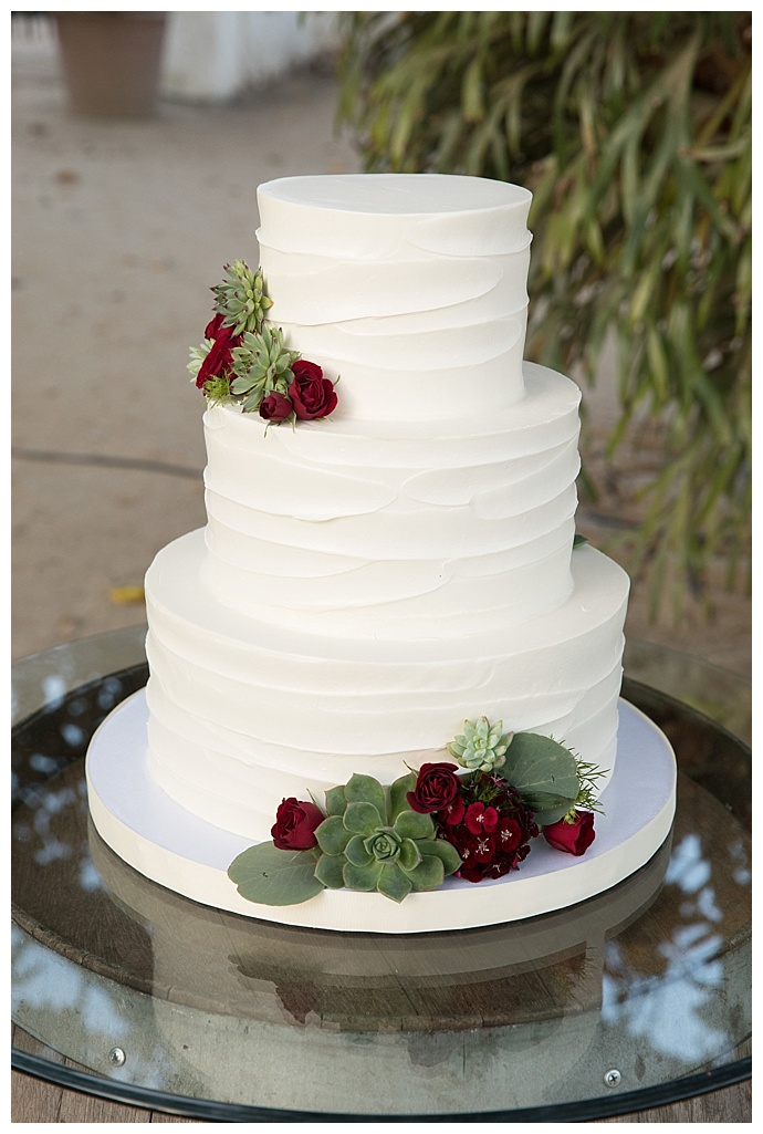 sky-and-reef-photography-textured-white-wedding-cake