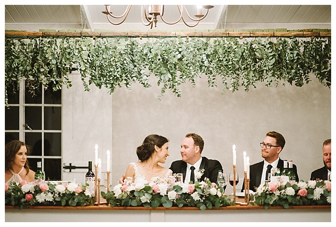 bright-girl-photography-head-table-hanging-greenery
