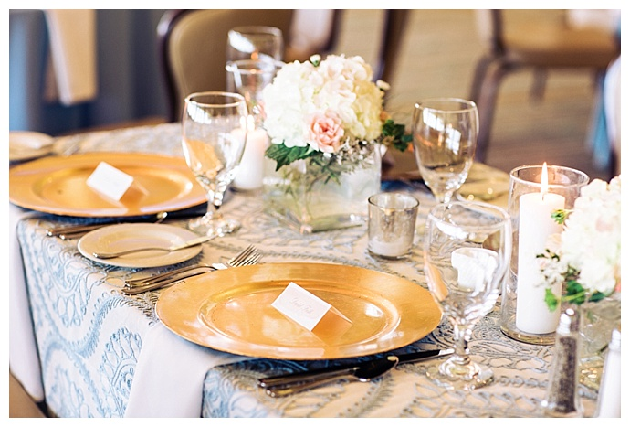 gold-and-dusty-blue-wedding-decor-corina-silva-studios