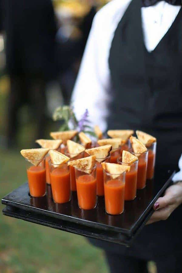 grilled-cheese-and-tomato-soup-shots-wedding-hors-doeuvres