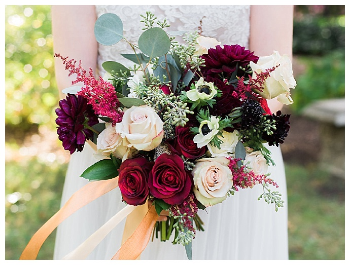 red-rose-wedding-bouquet-lissa-ryan-photography