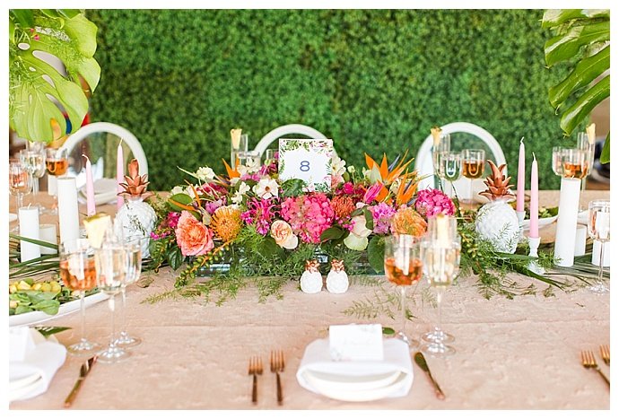 tropical-wedding-tablescape-shaina-lee-photography