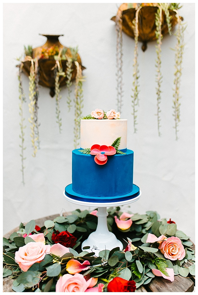 megan-blowey-photography-flower-fillled-cake-table