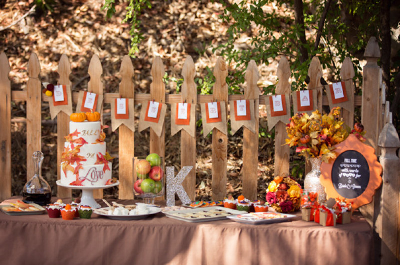 Image for We're Falling for these 12 Fall-Inspired Wedding Cakes