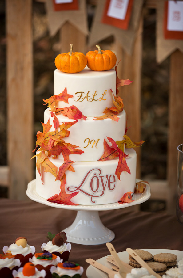 fall-in-love-wedding-cake-with-pumpkins