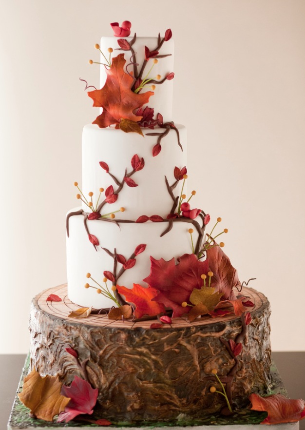 fall-inspired-wedding-cake-with-leaves