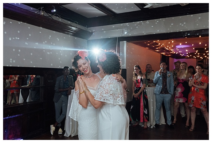 wilde-scout-photography-disco-ball-first-dance