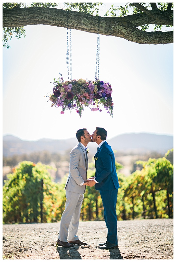 hanging-floral-ceremony-installation-slotography