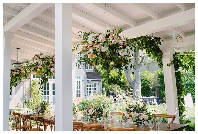 hanging-florals-backyard-wedding-jerry-yoon-photographers