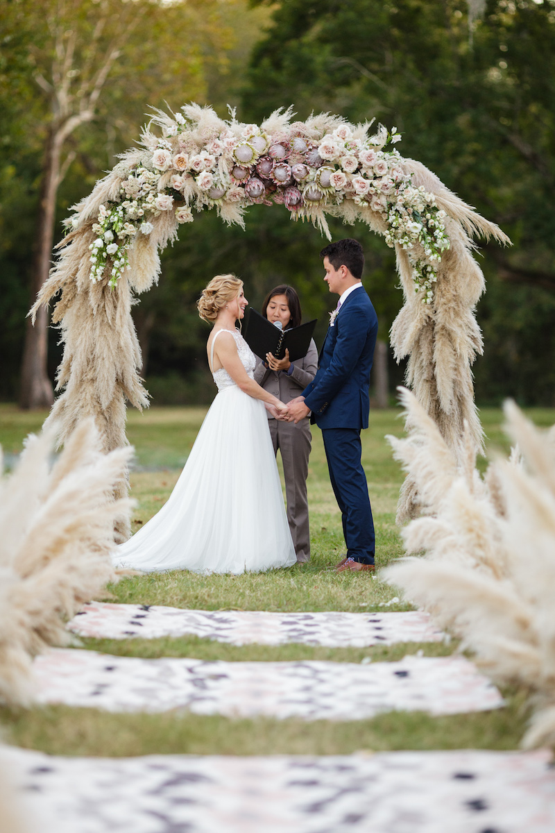 pampas-grass-ceremony-arch