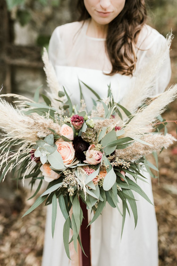 pampas-grass-wedding-bouquet