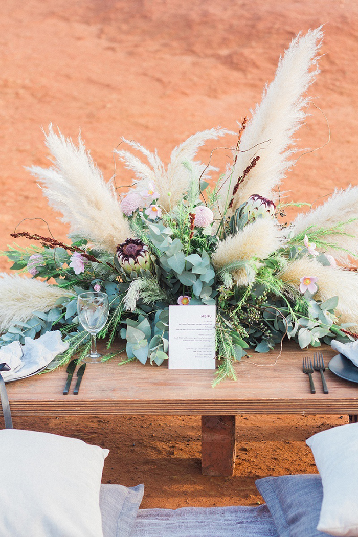 pampas-grass-wedding-centerpiece