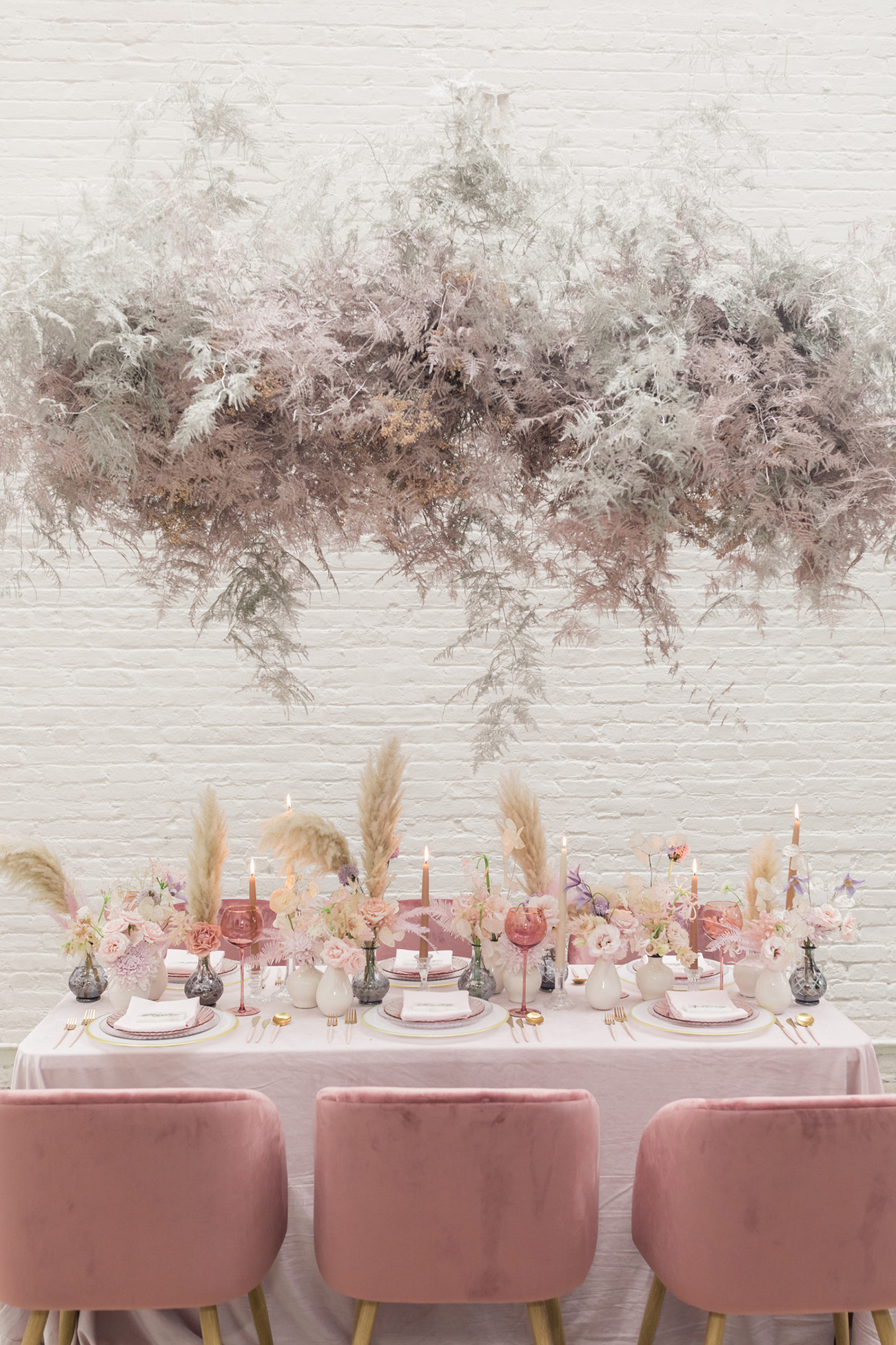 pampas-grass-wedding-table-decor
