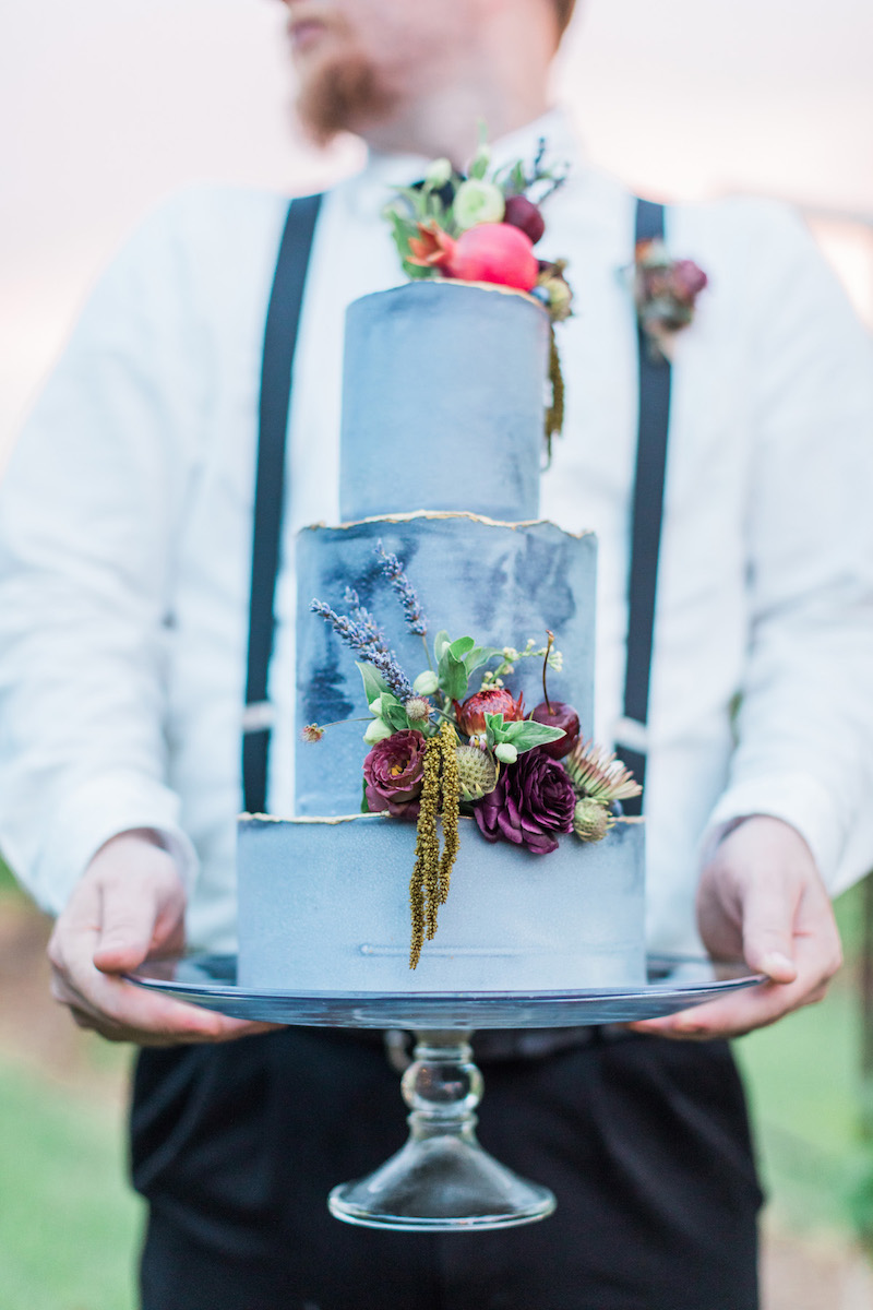 blue-gilded-wedding-cake-r-and-m-bledsoe-photography