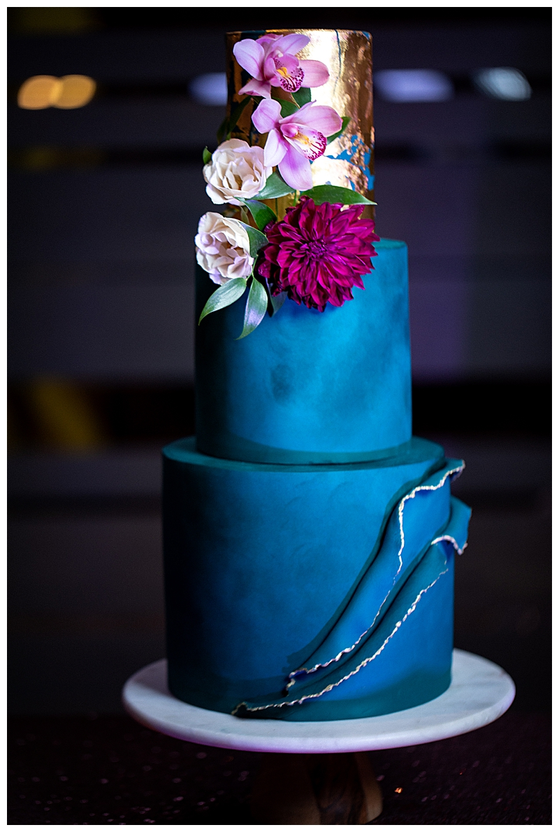 blue-wedding-cake-with-gold