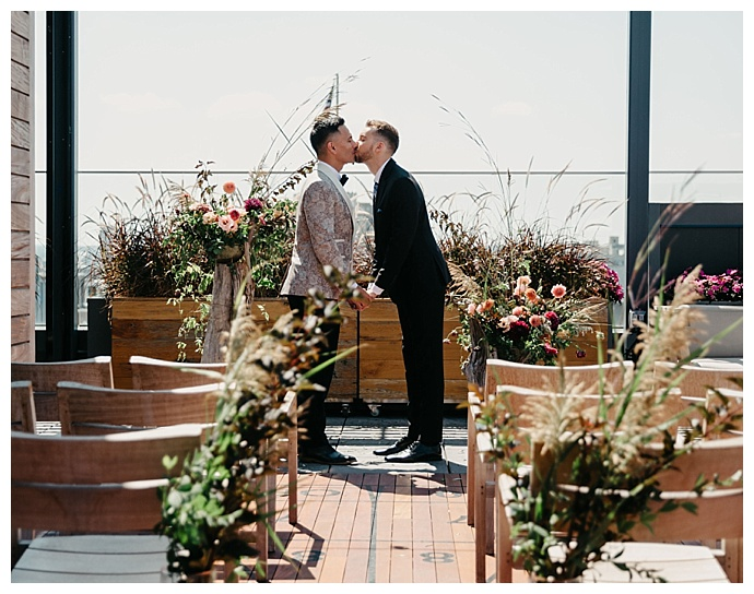 hotel-rooftop-wedding-inspiration-maria-campbell-photography