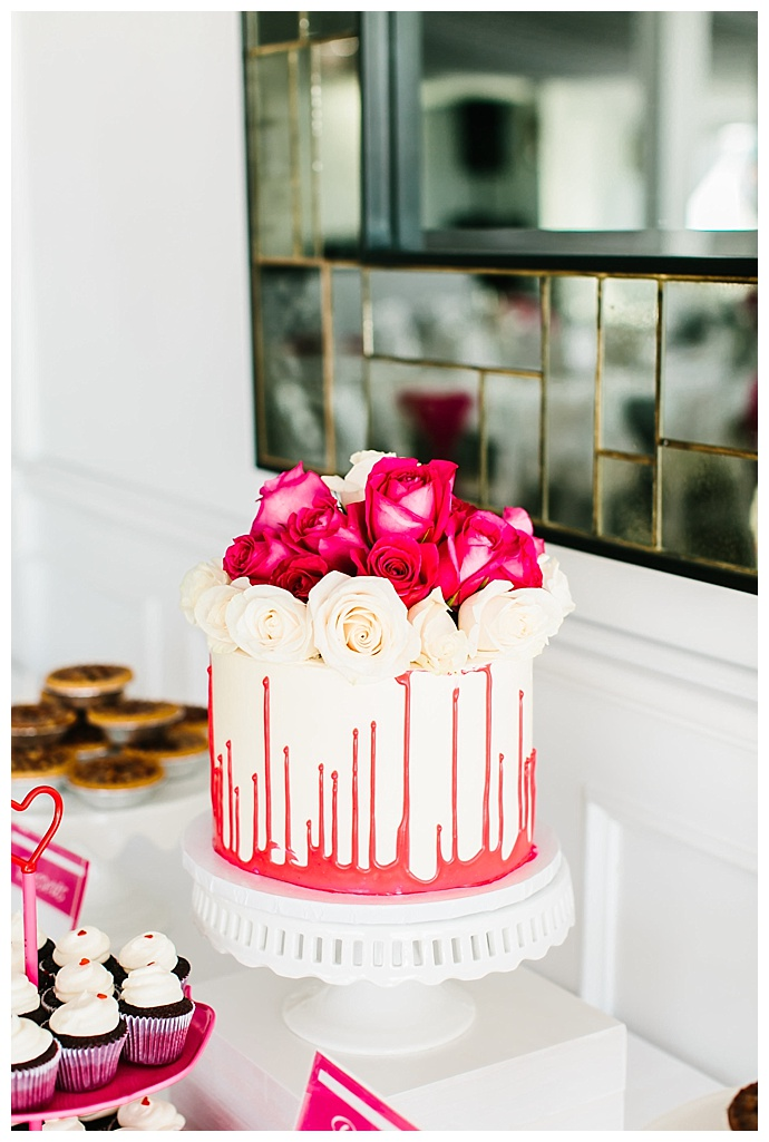 pink-drip-wedding-cake-lily-tapia-photography