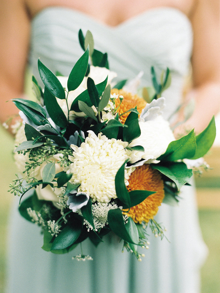 pop-of-yellow-wedding-bouquet-elizabeth-haase-photography