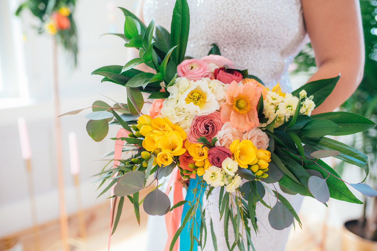 three-region-photography-bright-spring-wedding-bouquet