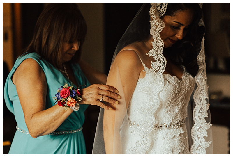 mother-of-the-bride-wedding-photography