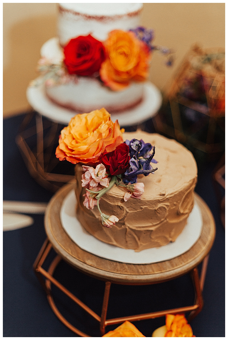 single-tiered-wedding-cake